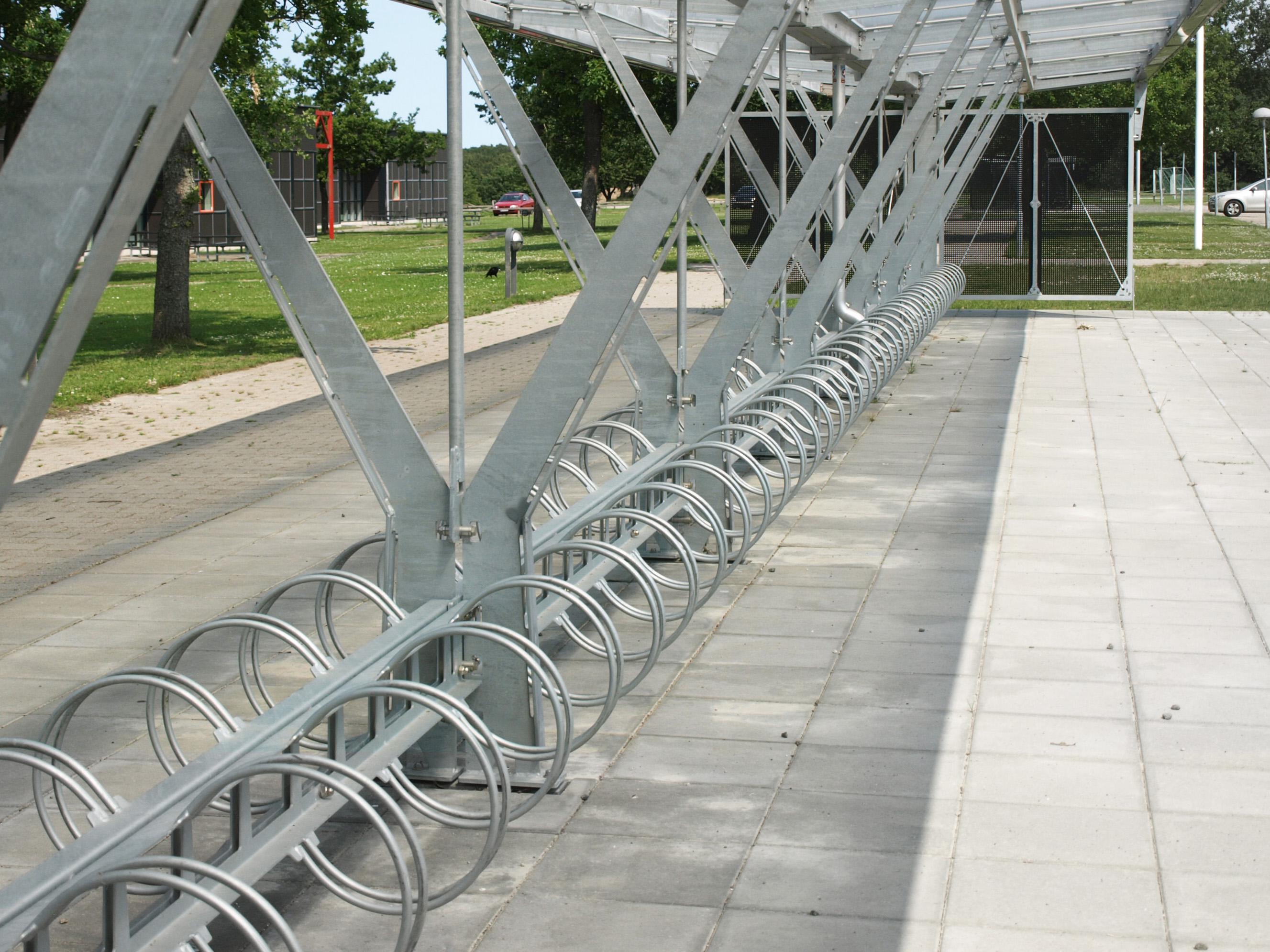 Cykeloverdækning, cykelstativer, Kolding Gymnasium, model 17. belysning